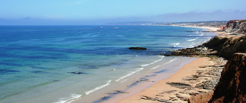 The-beach-close-to-the-site-of-deployment-of-the-WaveRoller-in-Portugal